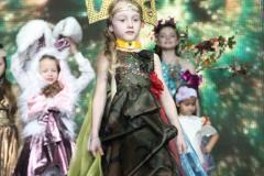Вероніка-Онуфрієва_Дефіле-у-Авангардних-костюмах
